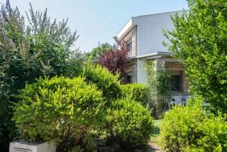 gallery ammouda villas garden view-03