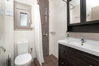 ground-floor-villa-ammouda-bathroom